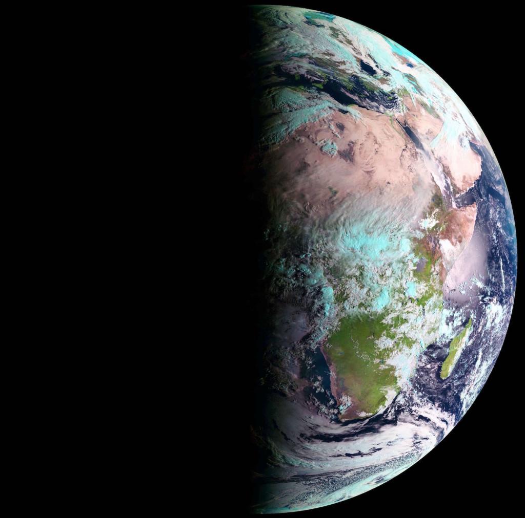 Immagine satellitare dell'intero disco globale acquisita alle ore 6 del 20 marzo 2017