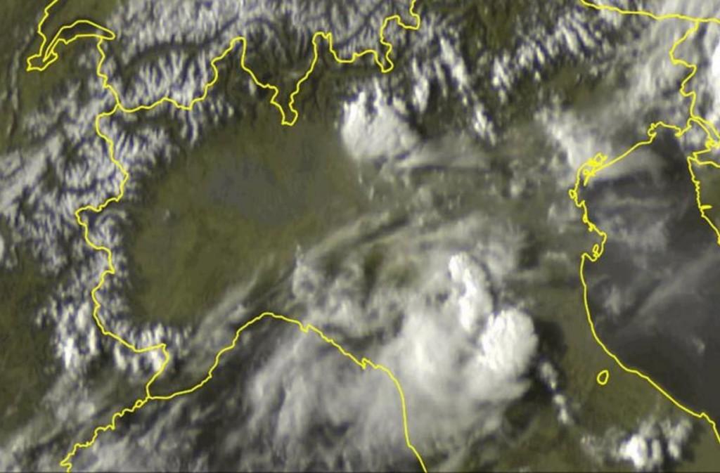 Immagine satellitare acquisita nel tardo pomeriggio che mostra la posizione dei temporali