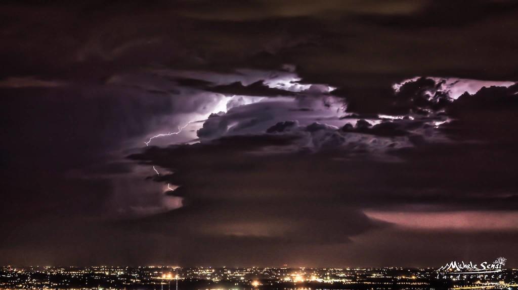 Immagine del temporale da Finale Emilia