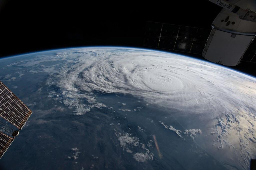 """L'uragano """"Harvey"""" fotografato dalla stazione spaziale internazionale (ISS)"""