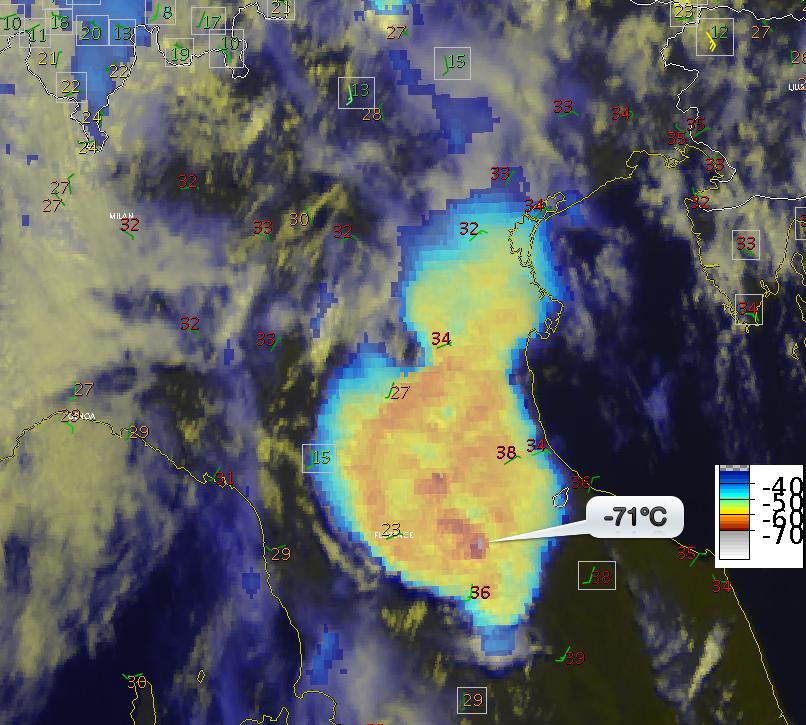 Immagine satellitare del sistema convettivo alla mesoscala (MCS) sviluppatosi nella tarda mattinata