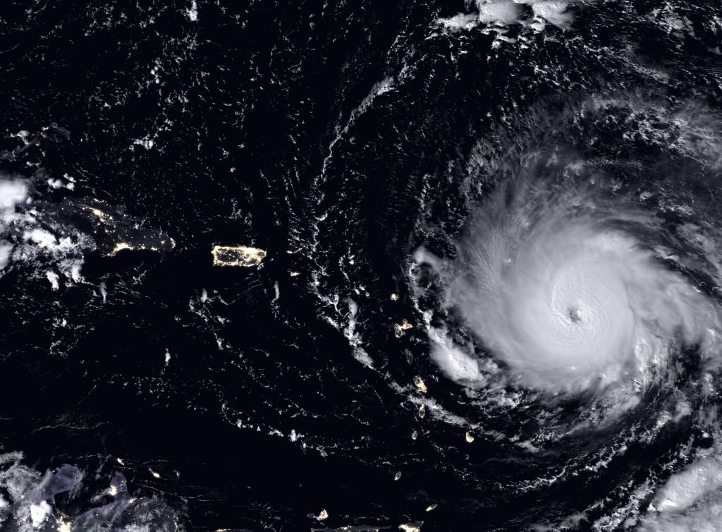 Immagine satellitare notturna dell'uragano Irma