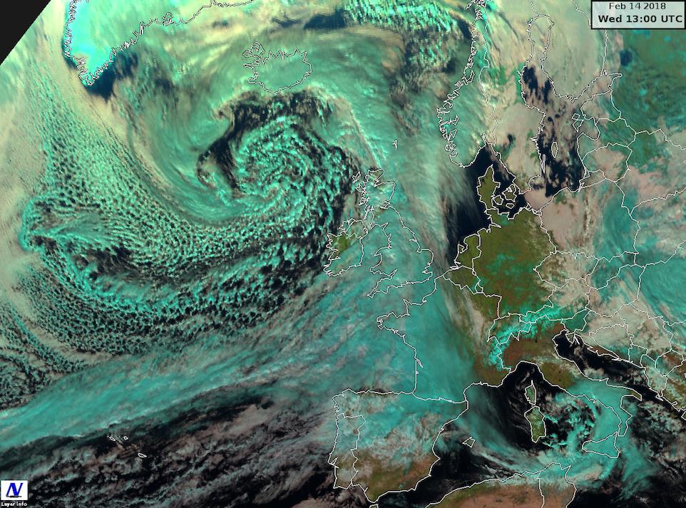Immagine satellitare relativa alle 14 (ora locale italiana) di oggi