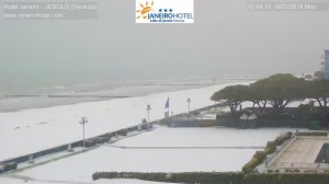 Freddo raggiunge il Nord: Neve fino in spiaggia tra Veneto e Emilia [FOTO] - Jesolo