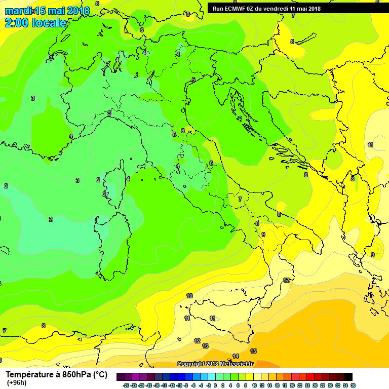 Distribuzione termica sull'Italia a 850 hpa (1450 mt) per la notte su martedì 14 maggio 2018. GFS - Meteociel -