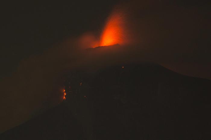 La disatrosa eruzione del Volcan de Fuego, in Guatemala, America centrale nella giornata di domenica 3 giugno.