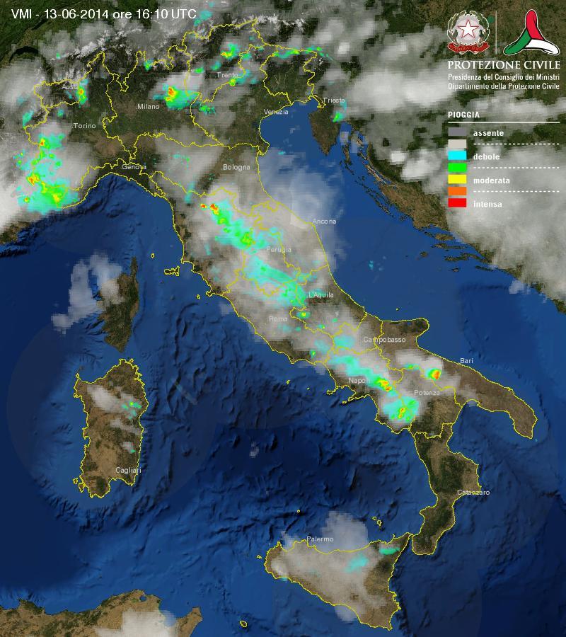 Precipitazioni in atto e nuvolosità dal mosaico nazionale Radar.