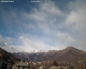 Freddo e maltempo, ma sulle Alpi italiane la neve dov'è?  - Alpette vista da webcam senza neve. Fonte: meteoindiretta
